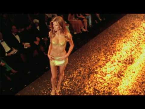 Victoria's Secret Fashion Show 2009 - Heidi Klum