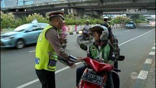 Video Lupa Kasih Helm ke Penumpang, Pengemudi Ini Baru Sadar Saat Ada Polisi - 86 MP3, 3GP, MP4, WEBM, AVI, FLV Juni 2019