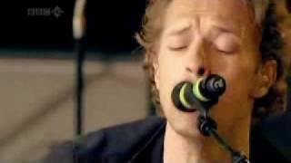 Download Lagu Coldplay Clocks Live @ BBC Mp3