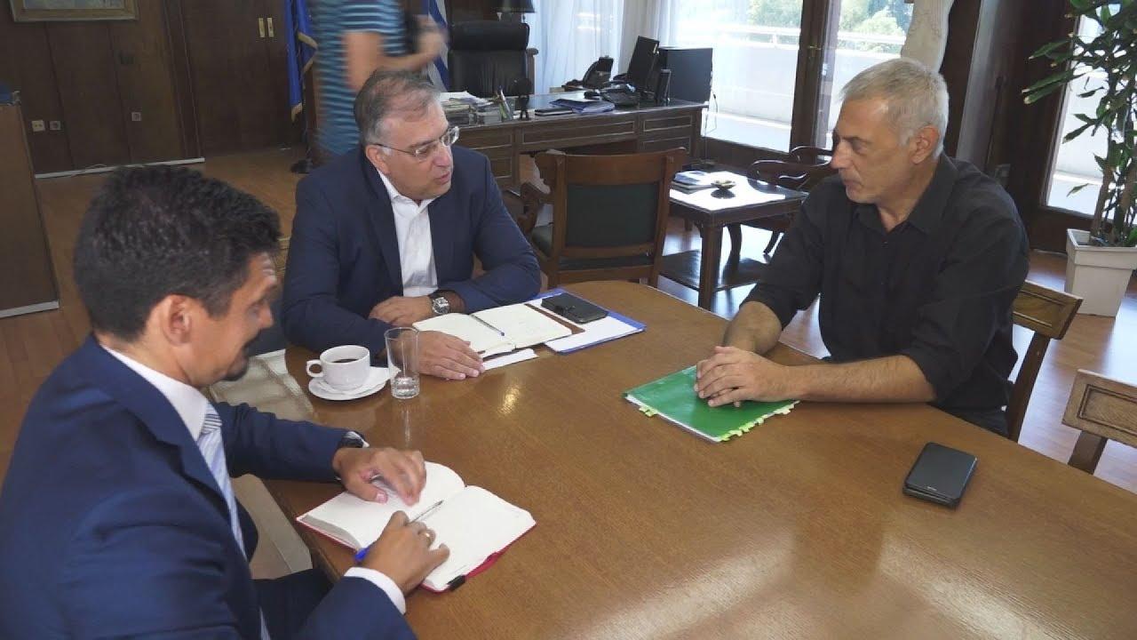 Συνάντηση ΥΠΕΣ με τον δήμαρχο του Πειραιά