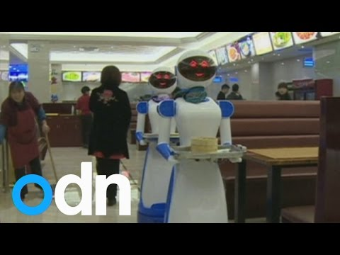 drunk-waiter-videos-restaurant-china-hires-robot-waiters