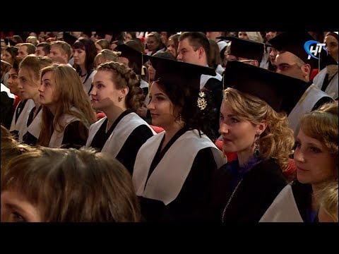 Выпускникам Института медицинского образования вручили дипломы