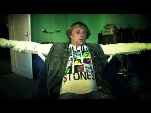 Alkehol - Zlatej grál (Official Video)