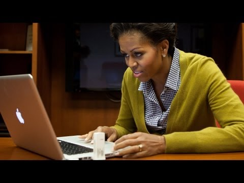 Image of First Lady Michelle Obama Posts Her First Tweet (behind-the-scenes video)