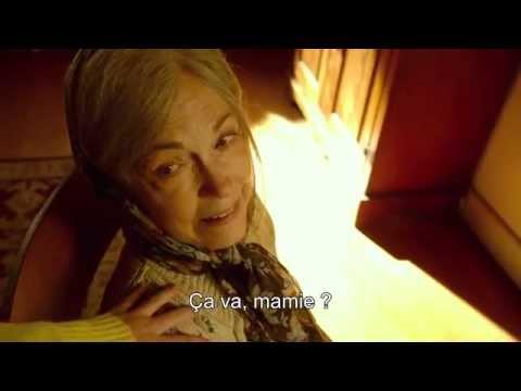 The Visit - Extrait : Becca entend mamie rire (VOSTFR)