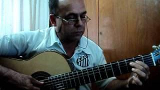 Hino do Santos Futebol Clube, Leão do Mar.Cantado desde 1955Partituras Violão:http://www.marinhopartituras.com.br/Contato: marinho.oliveira@hotmail.comhttp://www.facebook.com/marinho.partituras?ref=tn_tnmnArranjo: Marinho Oliveira - Afinação - 6ª D - 5ª GHINO POPULAR - LEÃO DO MAR - Informações Em toda a sua história, O Santos Futebol Clube contou com duas músicas que simbolizam o clube: a marchinha Leão do Mar (Agora quem dá a bola...) e o Hino Oficial do Clube (Sou alvinegro da Vila Belmiro,...). A marchinha Leão do Mar foi cantada a primeira vez após a vitória do Campeonato Paulista de 1955, quando foi quebrado o jejum de 20 anos sem títulos do Santos FC.HINO POPULAR -- LEÃO DO MAR  ( Marchinha )AutorMangeri Neto e Mangeri SobrinhoNome: Leão do MarAgora quem dá bola é o SantosO Santos é o novo campeãoGlorioso alvinegro praianoCampeão absoluto desse anoSantos, Santos sempre SantosDentro ou fora do alçapãoJogue o que jogarÉs o leão do marSalve o nosso campeãoArquivo: http://www.campeoesdofutebol.com.br/hino_santos.html