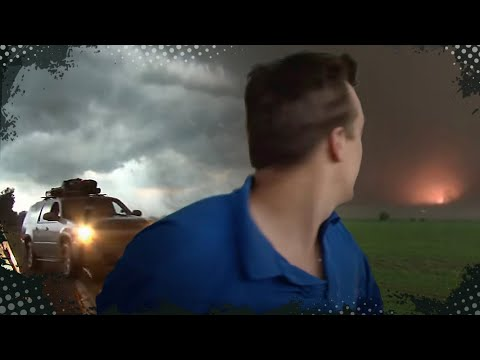 tornados - Follow us on Facebook and Twitter! http://www.facebook.com/ReedTimmerTVN @reedtimmerTVN INSANE video from inside the powerful Aurora, Nebraska tornado on Jun...