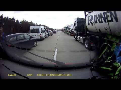 Jak nie tworzyć korytarza ratunkowego na autostradzie