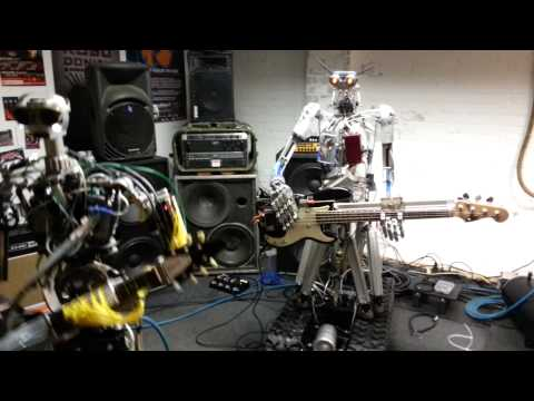 Coverband berlin - http://compressorheadband.com/ http://www.robocross.de/ http://www.bigdayout.com/ Preview of Compressorhead during band practise at the Robocross head quarte...