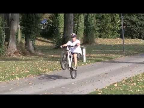 How to Manual with a Bike: A few key tricks for fast progress