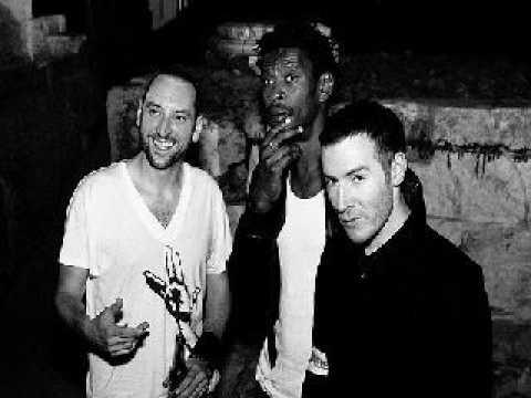 Tekst piosenki Massive Attack - One love po polsku