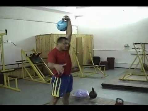 Fedor Fuglev demonstrates different  Snatch techniques Kettlebell Lifting