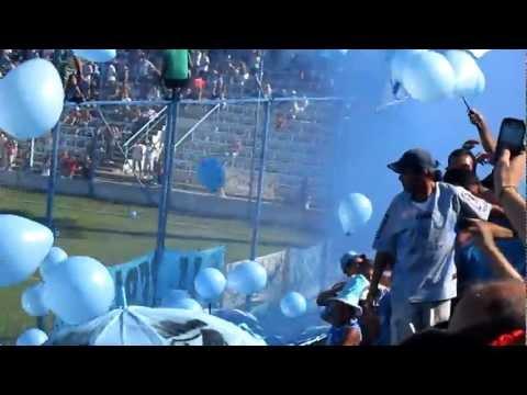 Video - Salida de equipos Temperley - Los Andes (17/3/12) - Los Inmortales - Temperley - Argentina
