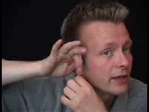 不要再問我魔術怎麼變的了,現在就教你怎樣讓手指穿過耳朵!