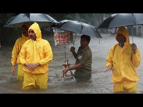 Monsun setzt indische Finanzmetropole Mumbai unter Wa ...