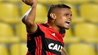 Curtam nossa página: http://www.facebook.com/LeandroSportsVideos Com três golaços, Flamengo vira sobre o Figueira e...