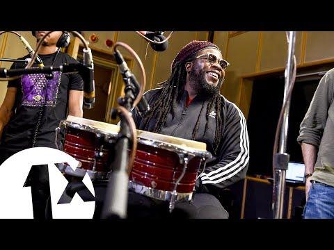 Video Waiting in Vain – Bob Marley (Morgan Heritage cover) download in MP3, 3GP, MP4, WEBM, AVI, FLV January 2017