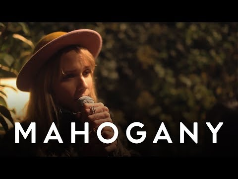 Oh Land - White Nights | Mahogany Session