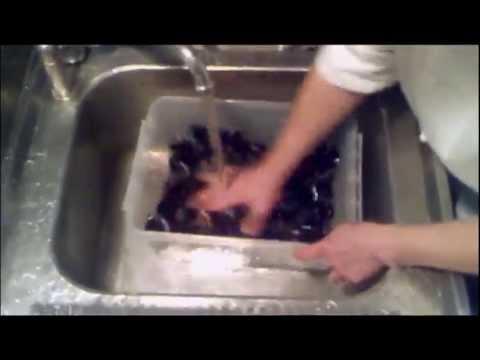 come pulire le cozze in 5 minuti