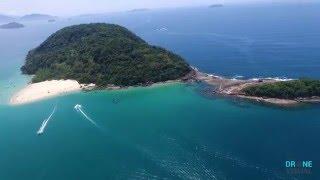 Ilha do Promirim, Ubatuba, sob a perspectiva de um drone.