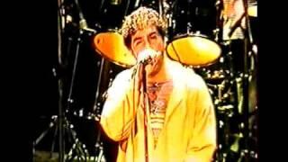 Show em Curitiba - Turnê O Sentido 1996. Destaque para a linha de baixo, arranjo muito bom. E, para o solo de guitarra do...