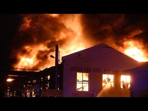 Cháy XƯỞNG SỬA CHỮA Ô TÔ PHA của người Việt ở Berlin