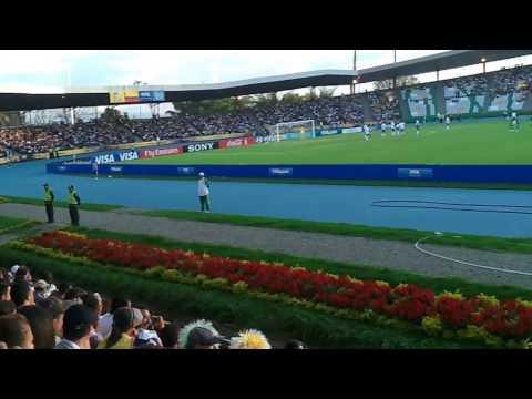 Aficionados en el estadio Centenario de Armenia