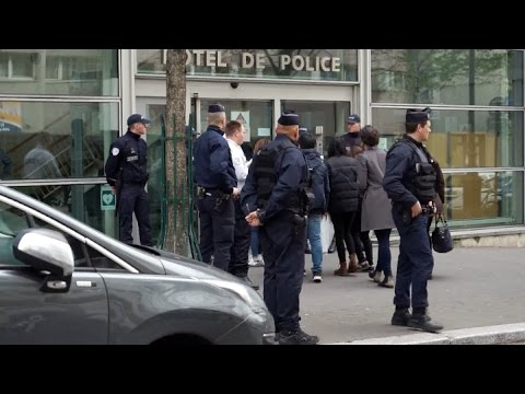 Relatives of Police Killed Chinese Attend Hearing in Paris
