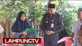 Video Bupati Lampung Utara Minta Maaf ke Gadis Cilik Pembungkus Kerupuk MP3, 3GP, MP4, WEBM, AVI, FLV Mei 2019