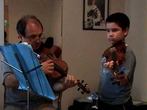 Clase de violín – Violin lesson – Maestro: Sotelo – Alumno: Julián