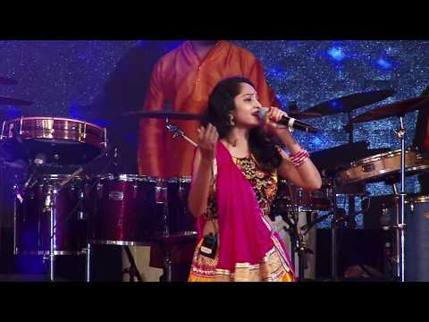 Video માં પાવગઢ થી - Ma pava te gadh thi By Santvani Trivedi Live at Mumbai With Parthiv Gohil download in MP3, 3GP, MP4, WEBM, AVI, FLV January 2017
