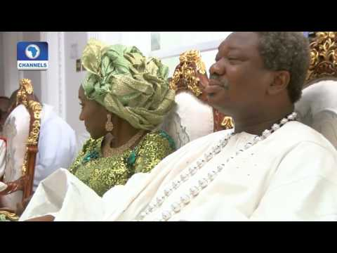 Metrofile: Olu Okeowo & Family In Joyful End Of Year Celebration