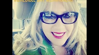 Danielle Smith shares her best blog tip for people building an awesome blog with Lori Moreno at Blog