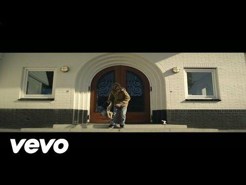 Gers Pardoel – Eenzaam Op De Bank