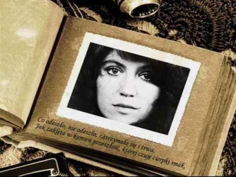 Tekst piosenki Halina Frąckowiak - Wiatraki mojej wyobraźni (Teatralna panorama) po polsku