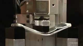 Bẻ cong bằng máy iPhone 6 Plus, Galaxy S6 Edge và M9: M9 bền nhất