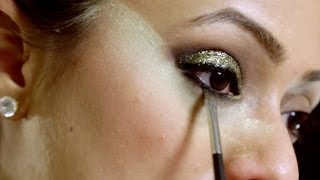 02 Nye glitter eyeshadow