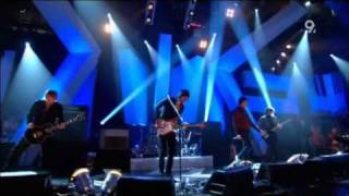 Kasabian Club Foot Live Jools Holland 2006 HQ with lyrics