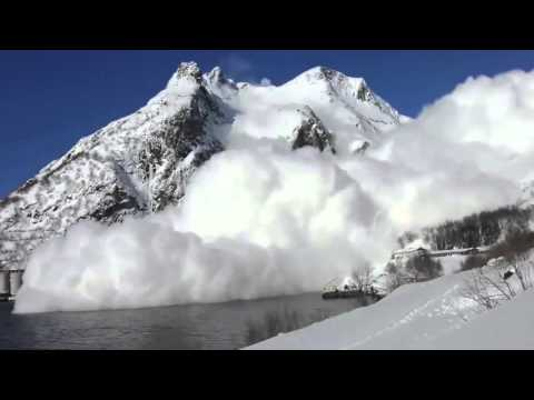 World's Biggest Avalanche - 2 contrasting views