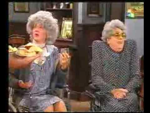 GASALLA - YOLANDA, Ana María en sillas de ruedas