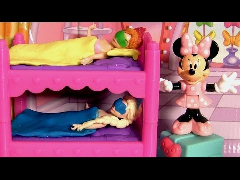 minnie - Disneycollector presents Minnie Mouse Sleepover Party from her new cartoon series Bowtique. Comes with stackable bunk beds, tabletop, Daisy Duck and Minnie f...