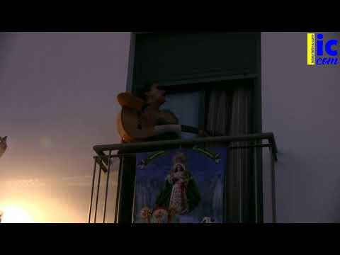 Vecinos de la Calle Esperanza de La Redondela canta Salve Marinera