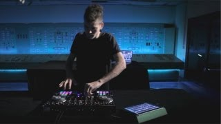 Mad Zach Rocks The New Traktor S4 And S2 @2shyents.com