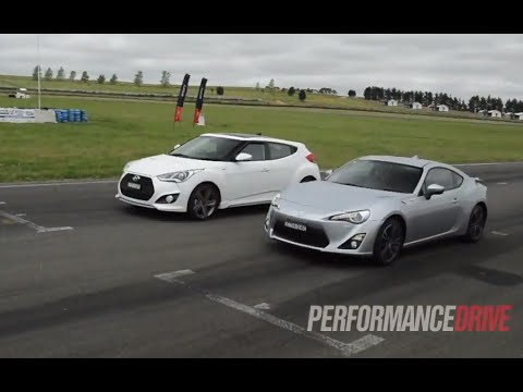 Toyota 86 vs Hyundai Veloster SR Turbo drag race