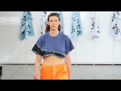 ANDREA CREWS Menswear Spring Summer 2017 Paris by Fashion Channel видео