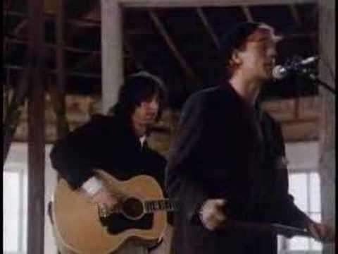 Tekst piosenki R.E.M. - Swan Swan H po polsku