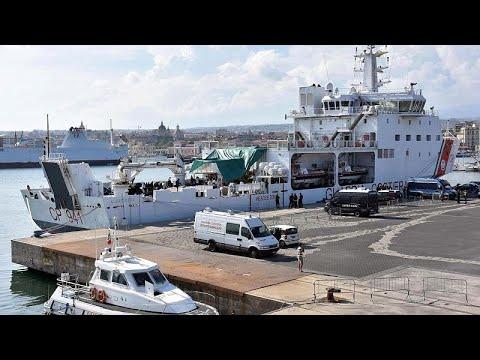 Φραστικός πόλεμος για τους μετανάστες στην Κατάνη