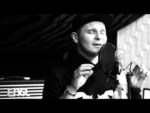 Tekst piosenki Patryk Kumór - I See Fire po polsku