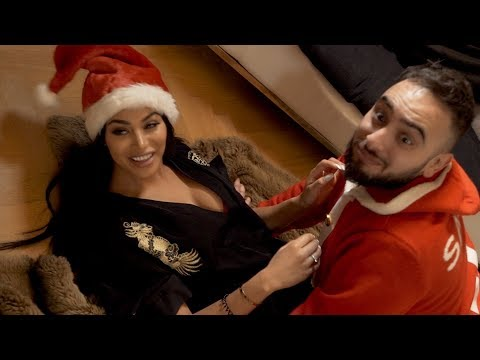 Video I Had An Awkward Christmas download in MP3, 3GP, MP4, WEBM, AVI, FLV January 2017