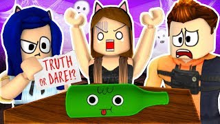 TRUTH or DARE?... Roblox Haunted House Story!